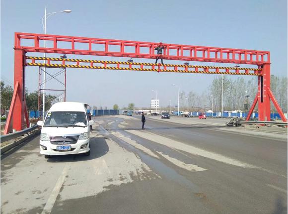 河南郑州交通局限高架项目安装现场
